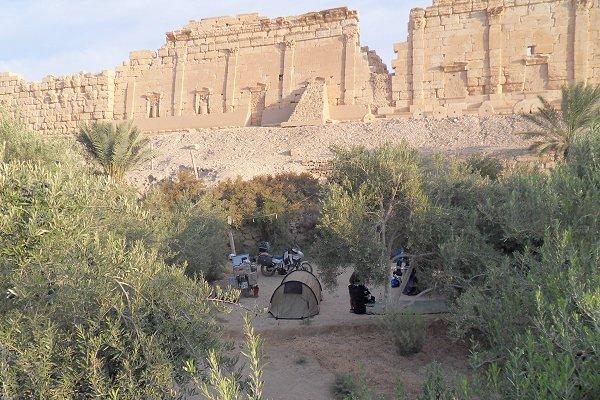 Palmyra, Camping am Baal Tempel